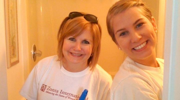 Lisa Fraser and her daughter, Ansley Fraser, help clean during a Samaritan House makeover.  (Courtesy photo)